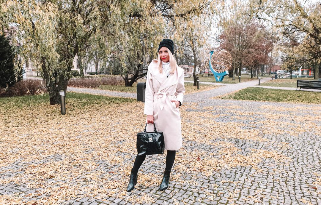 jak nosić szlafrokowy płaszcz