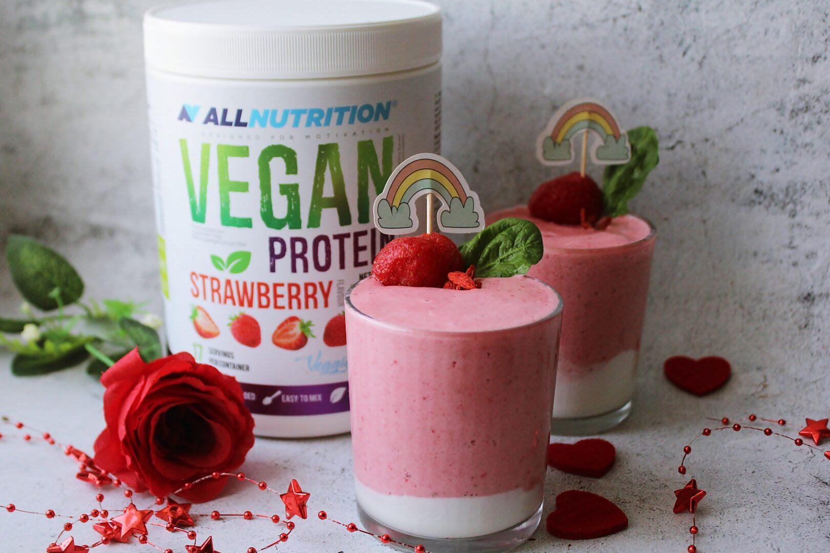 szybki deser truskawkowy z jogurtem