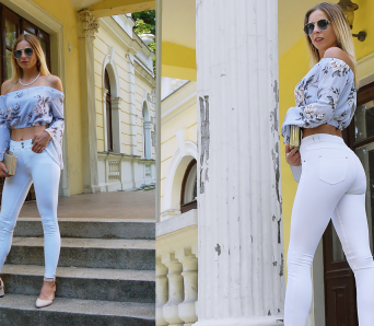 modne białe spodnie