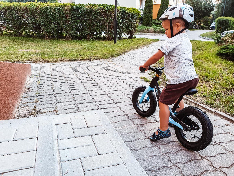 rowerek biegowy dla dziecka jak wybrać